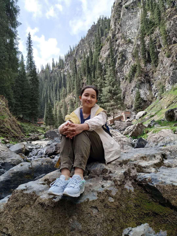 Mahiber Polat (玛伊拜尔) : Graguate student
